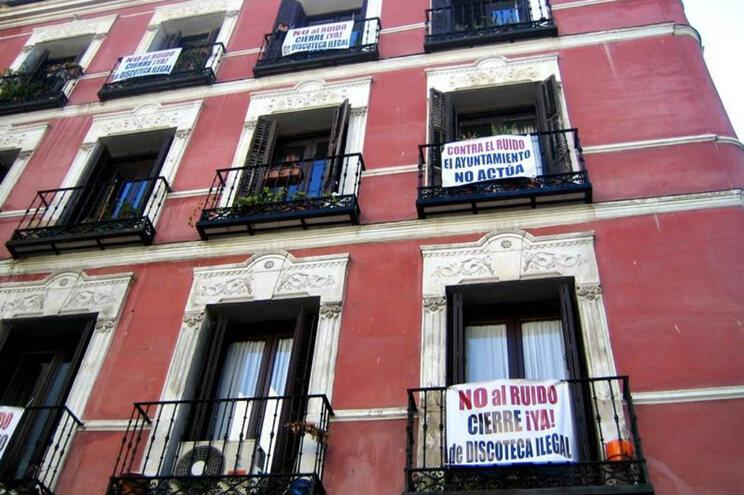 Contestação aos níveis de ruído é luta antiga dos moradores do bairro de Malasaña, zona de bares noturnos