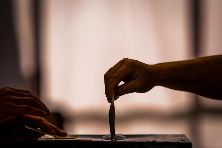 """Comissão Nacional de Eleições descarta o voto """"drive thru"""""""