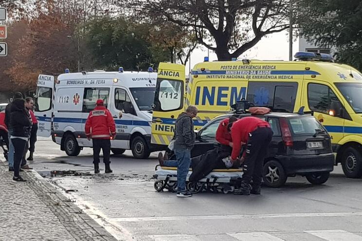 Três feridos após acidente em Santa Maria da Feira
