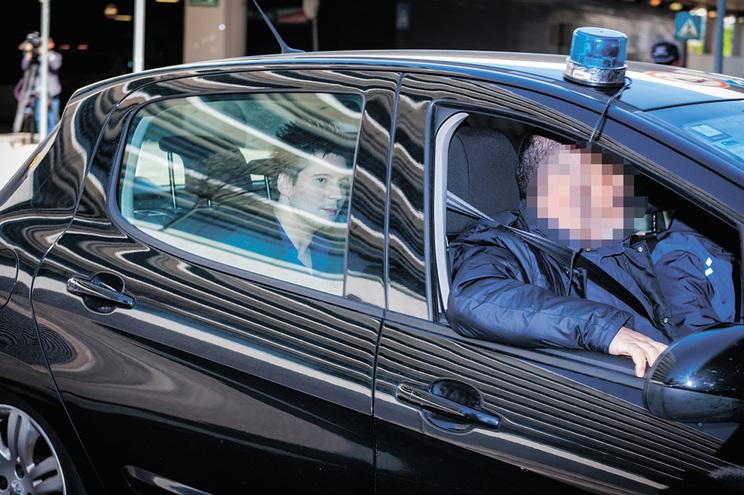 Hacker foi colocado em prisão preventiva na cadeia anexa à Polícia Judiciária, em Lisboa