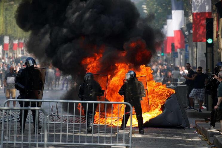 Lusodescendente detido pela polícia durante manifestação em Paris
