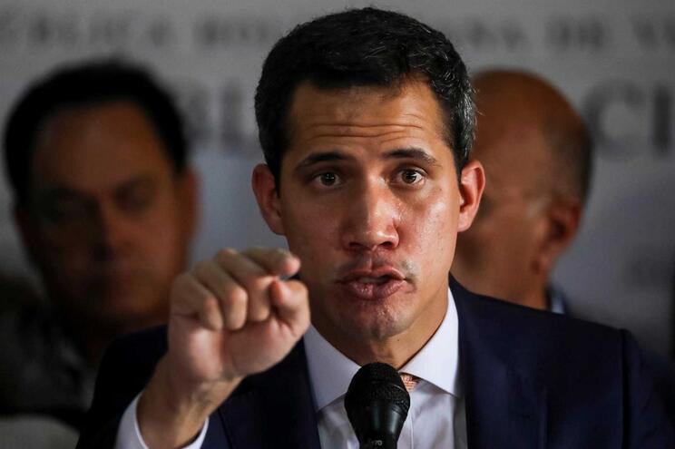 Guaidó apela a novo protesto nas ruas contra Maduro