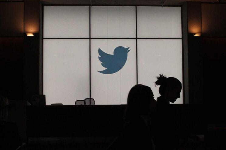 "Twitter autoriza teletrabalho ""para sempre"", se trabalhadores quiserem"