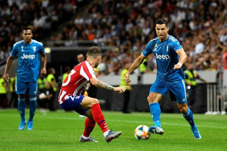 Ronaldo com lesão muscular