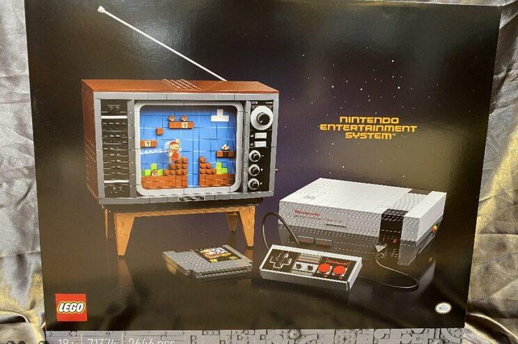 """A réplica da NES terá um total de 2646 mil peças Lego, incluindo um comando e um cartucho do jogo """"Super"""