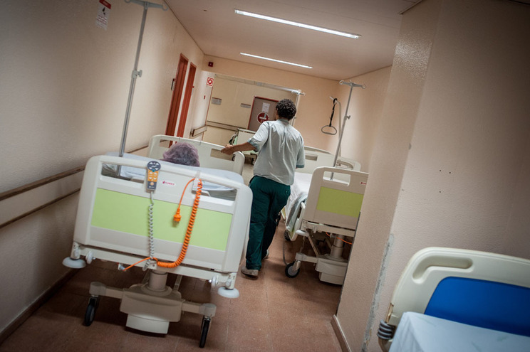 Estado quer hospitais a cobrar por doentes que são abandonados
