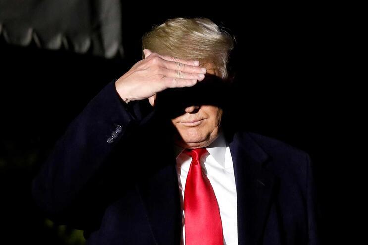Trump recusa levantar tarifas para conseguir acordo comercial com a China
