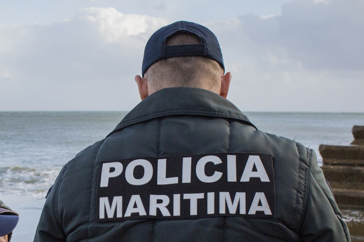 O alerta foi dado às 8.45 horas e ao local acorreu a Polícia Marítima de Setúbal