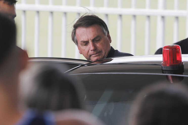 """No vídeo, Bolsonaro ameaça de demissão """"generalizada"""" quem não adotasse a defesa de assuntos defendidos"""