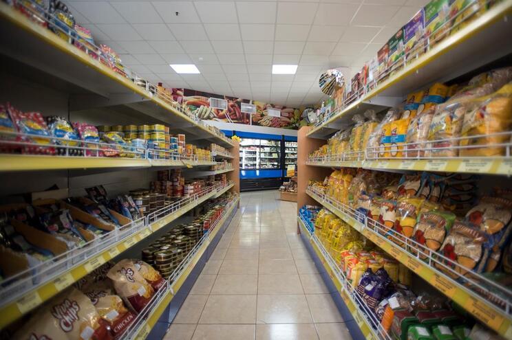 Estão a abrir quatro supermercados por semana em Portugal