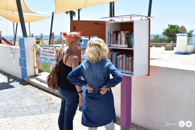 Pelo menos cinco mini bibliotecas foram espalhadas pela autarquia