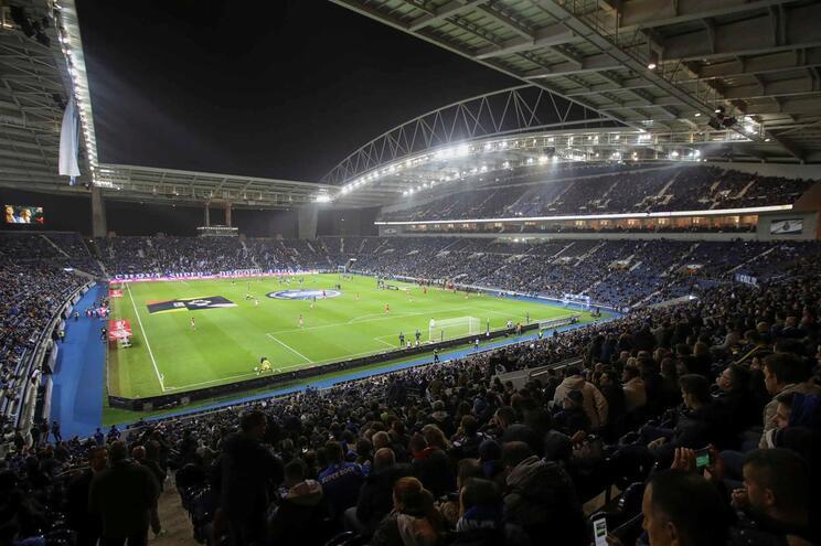 F. C. Porto contraria versão da UEFA no fair-play financeiro