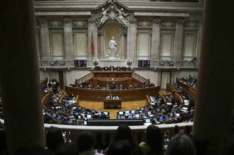 """""""Os níveis de estagnação em Portugal, no Parlamento, continuam, em termos médios gerais, bastante elevados"""""""