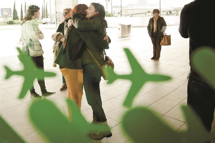 """Caso não seja possível adiar as viagens a Portugal, é aconselhado """"um período de isolamento profilático"""""""