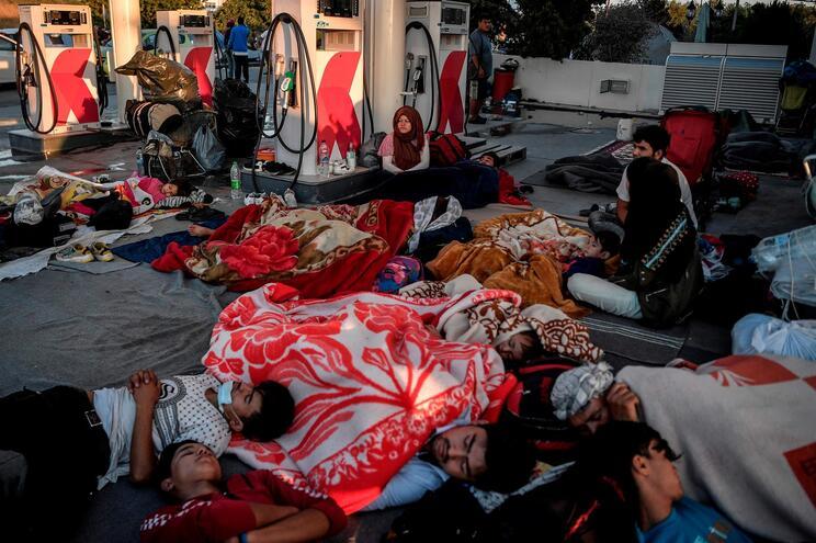 Cerca de 12 mil de refugiados e requerentes de asilo ficaram desalojados em Moria, Grécia