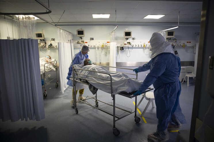 Haverá uma alteração de critérios de contabilização no número de doentes recuperados