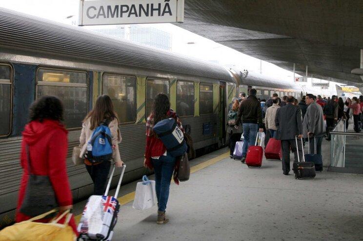 Lisboa-Porto de comboio por 5 euros: CP lança campanha de Natal e Ano Novo