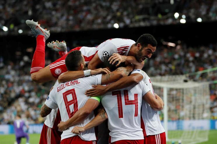 Olympiacos, Estrela Vermelha e Dínamo Zagreb avançam na Champions