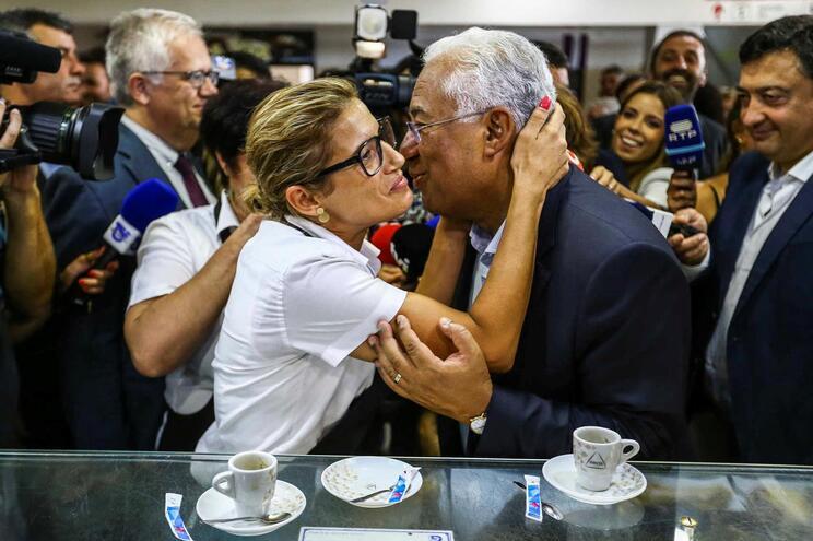 Diferença entre Costa e Rio cai para metade