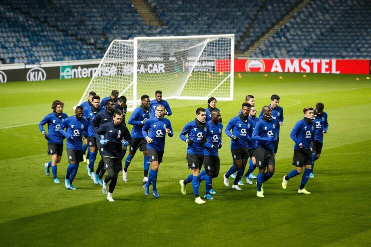 Siga em direto o Rangers - F. C. Porto