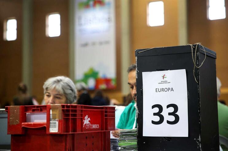 Contagem dos votos dos emigrantes
