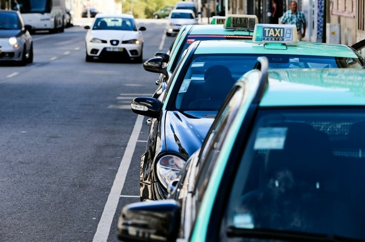 PSP deteve suspeito de roubos a taxistas, motoristas e estafetas em Braga