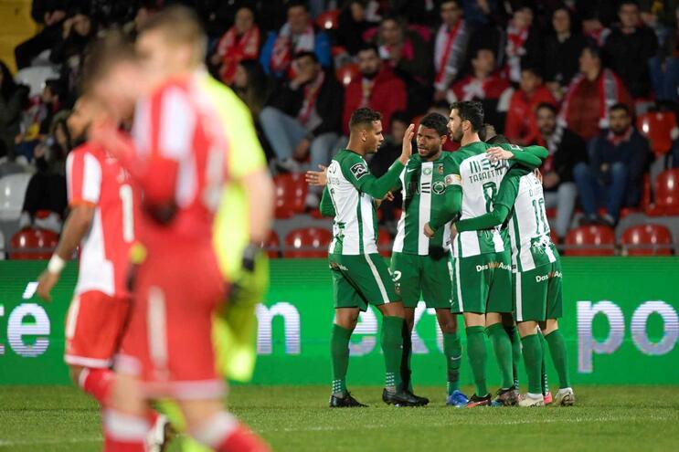 Rio Ave sobe ao quinto lugar da I Liga com goleada nas Aves