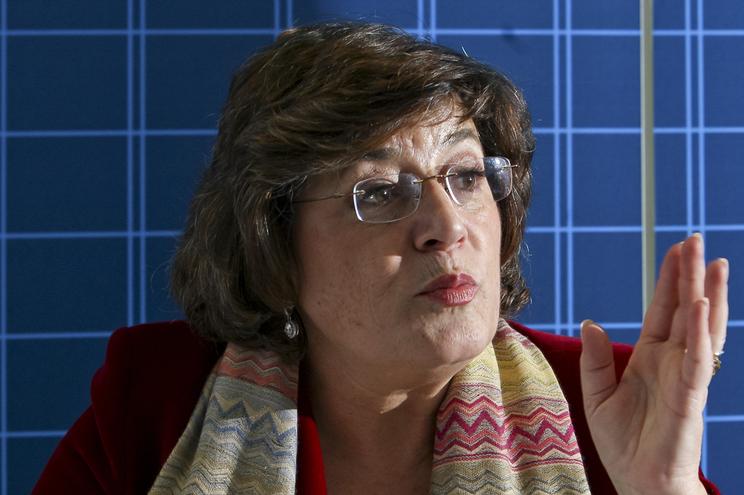 Ana Gomes, 66 anos, é jurista, antiga diplomata e ex-deputada do PS no Parlamento Europeu