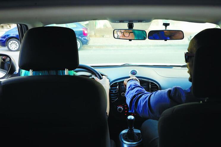 Avança fiscalização a aulas-fantasma nas escolas de condução