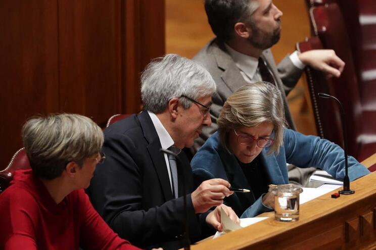 Marta Temido fala com Francisco Ramos, secretário de Estado Adjunto e da Saúde