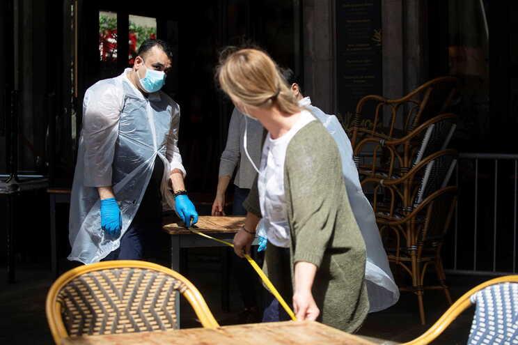 Funcionários de um restaurante em Barcelona