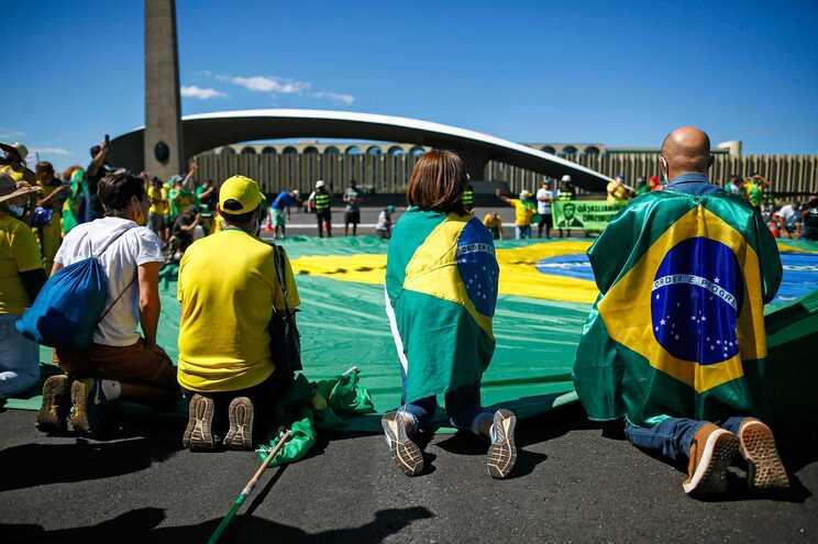 Polícia prende apoiantes de Bolsonaro que incentivarem atos antidemocráticos