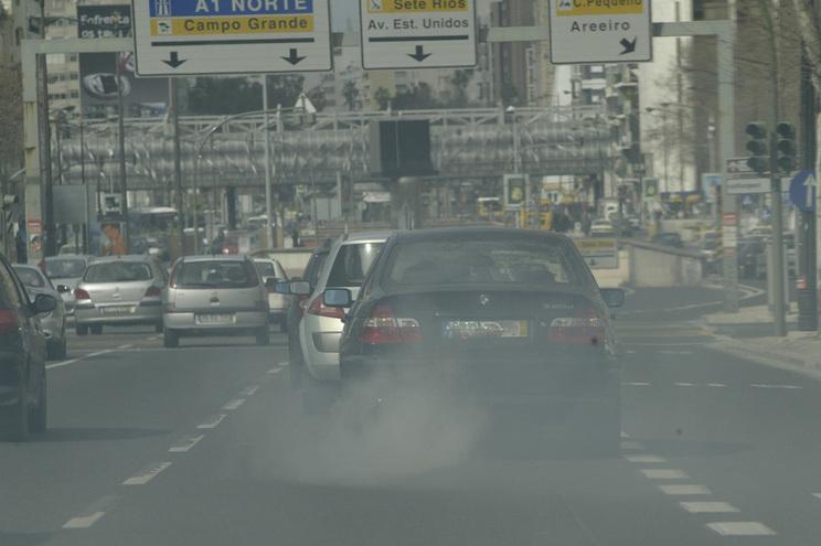 Em Portugal, estima-se que a poluição mate 28.3 pessoas por cada 100 mil habitantes