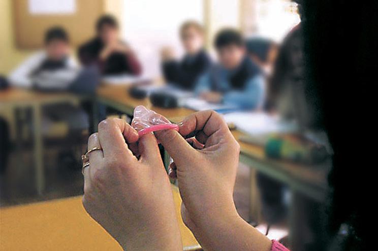 Escolas falham cumprimento  da Lei da Educação Sexual