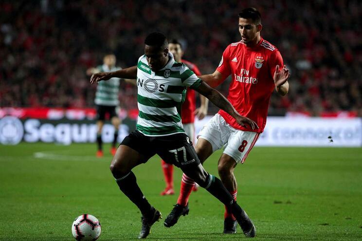 O golo que vai dando vantagem ao Benfica frente ao Sporting
