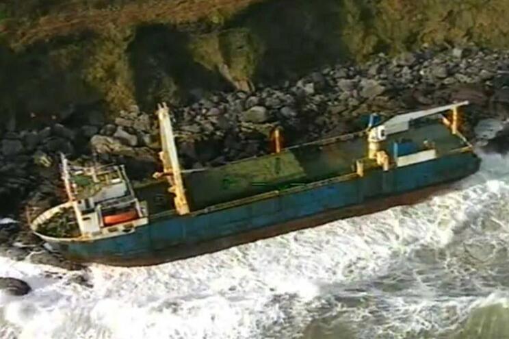 """""""MV Alta"""" deu à costa na Irlanda"""
