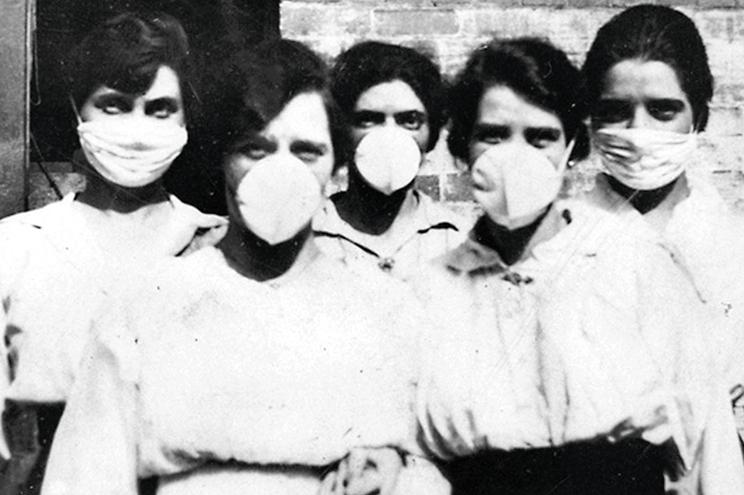 """A """"pneumónica"""" matou 50 milhões de pessoas no Mundo. Na imagem, voluntárias australianas em Brisbane"""