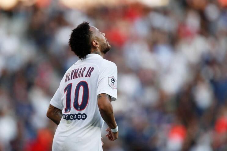 """Neymar aborda má relação com os adeptos: """" Às vezes brigas com a tua mulher"""""""