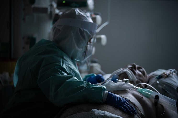SNS está mais preparado para enfrentar pandemia, dizem hospitais