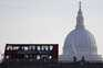 Reino Unido regista mais 77 mortos e 1.009 infetados com covid-19