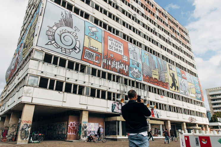O governo regional de Berlim vai investir cerca de 920 milhões de euros para adquirir quase 6000 casas