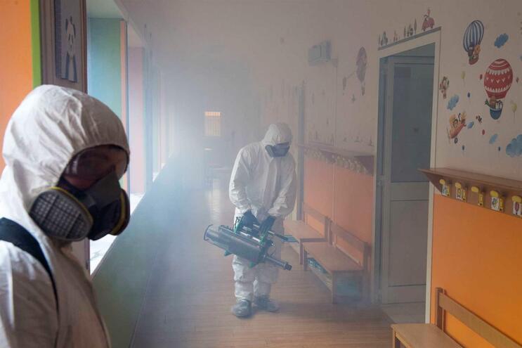 Em Itália foram contagiadas 223.096 pessoas, juntando as 992 infetadas entre quarta e quinta-feira