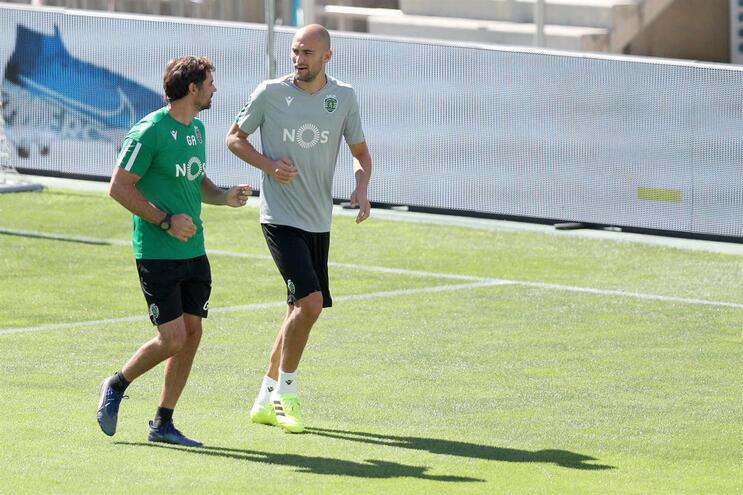 Bas Dost dispensado do treino do Sporting