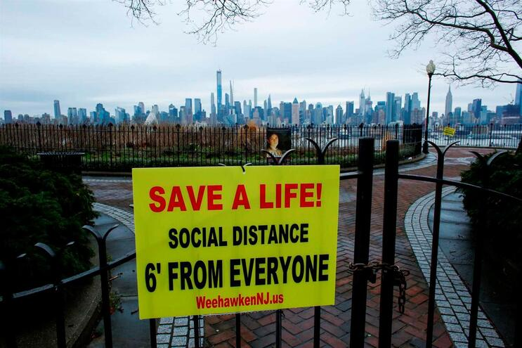 Nova Iorque já tem 84 mil infetados e quase dois mil mortos