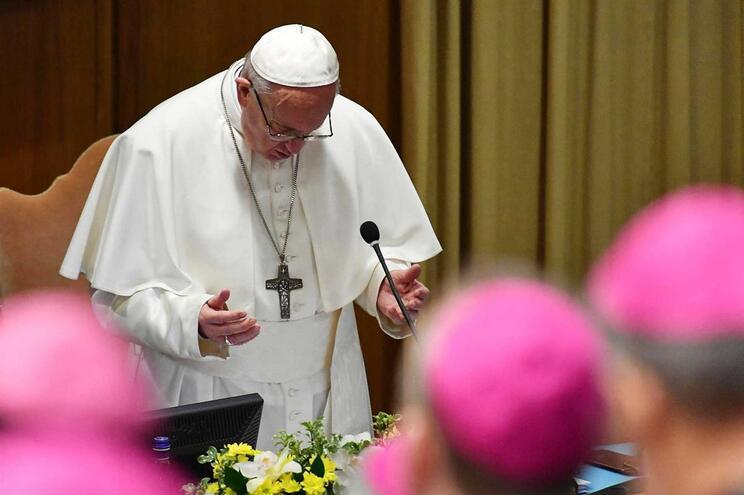 Papapede medidas concretas para erradicar crimes sexuais do clero