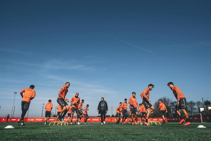 Arsenalistas já não treinam na Cidade Desportiva há uma semana