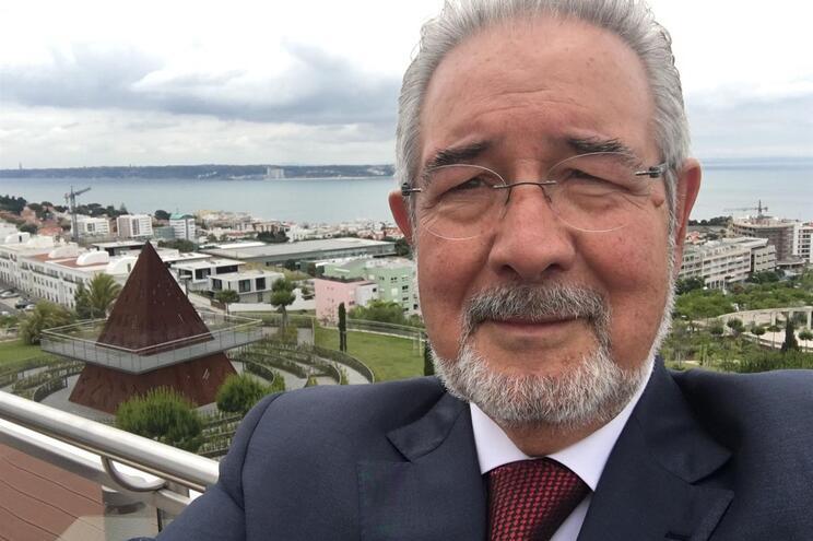 A selfie de Isaltino Morais em Oeiras