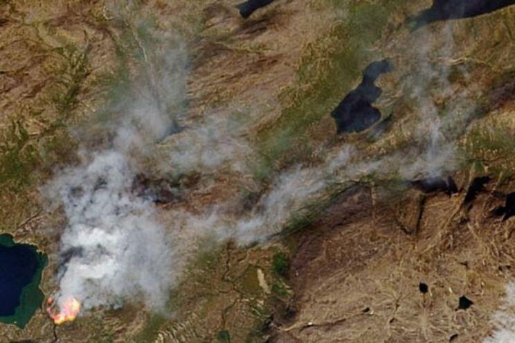 """Ártico em chamas. Mais de 100 incêndios """"descontrolados"""" no último mês"""