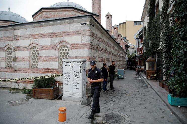 """Co-fundador dos """"Capacetes Brancos"""" encontrado morto em Istambul"""