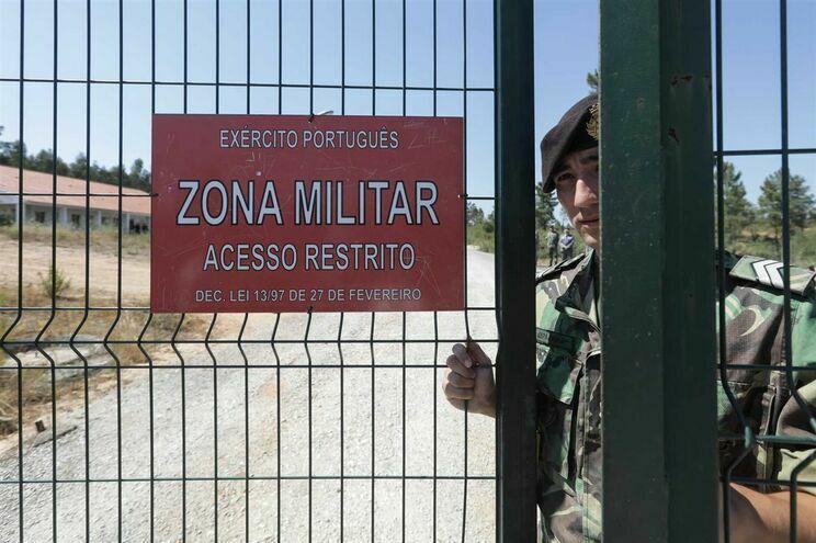 Nove dos 23 arguidos de Tancos acusados do crime de terrorismo